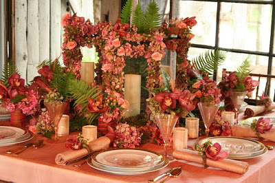 An Organic, Autumnal Table Setting