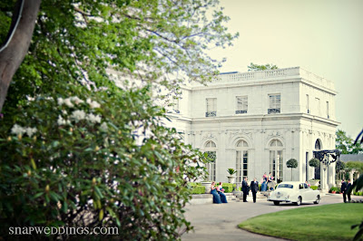 Some wonderful shots from Snap! of a wedding we all did at Rosecliff together last weekend!