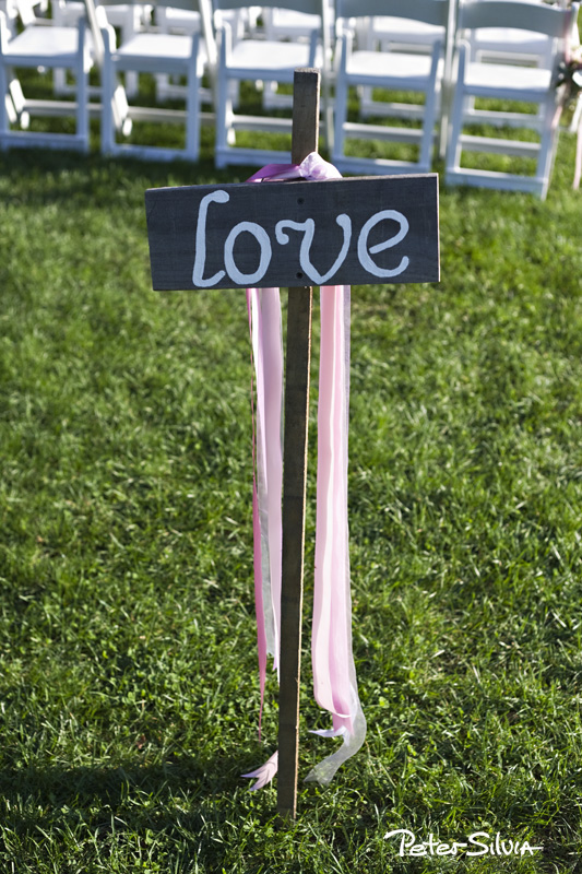 Beautiful Casey and her husband Dave had their wedding at Mount Hope Farm last month.