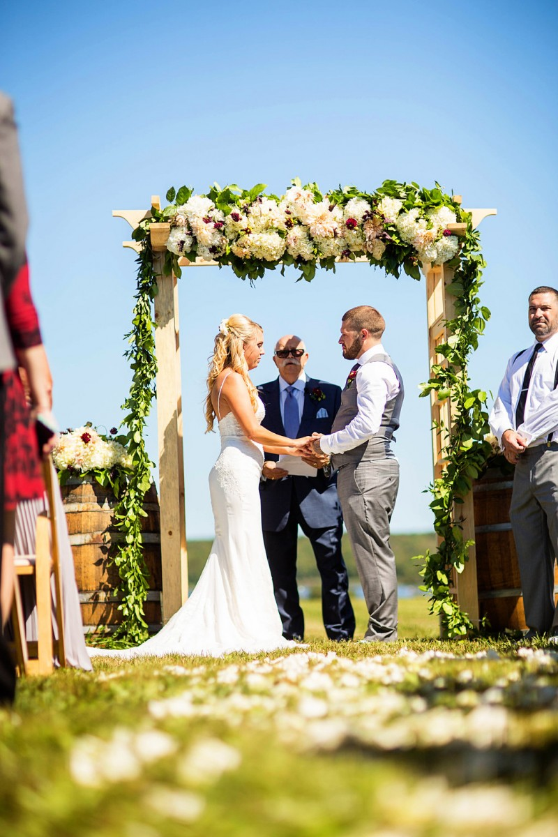 Anna and Mike's Sakonnet Vineyard Wedding