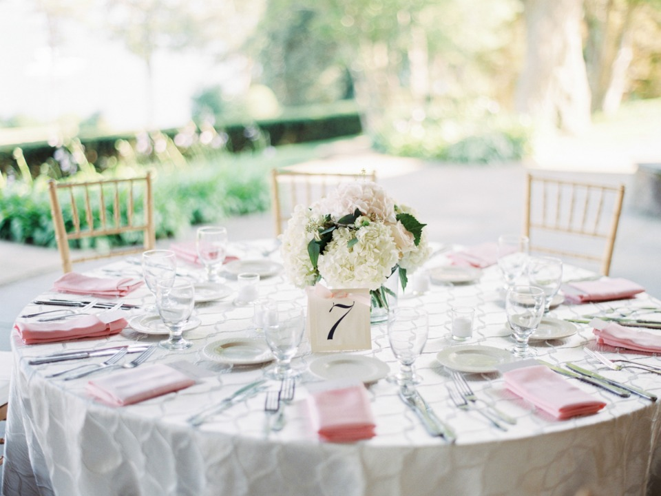 Elegant and simple table decor