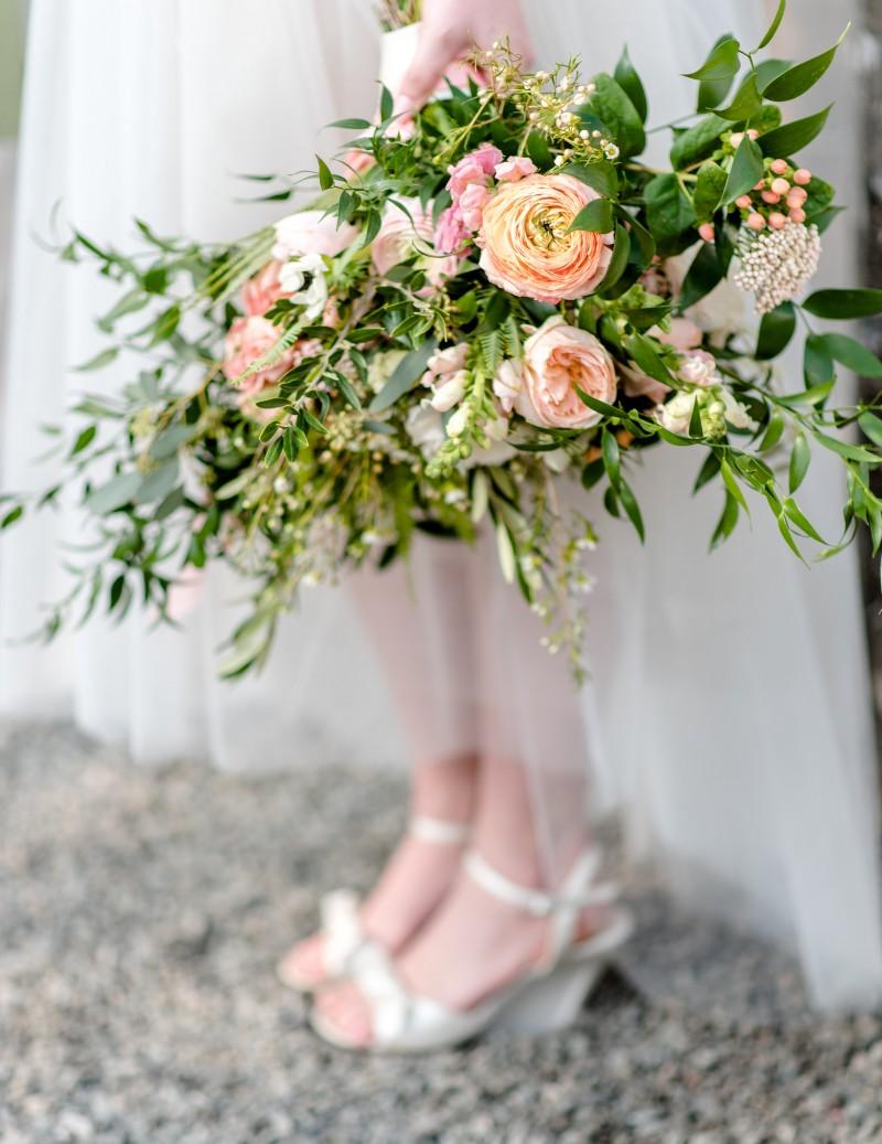 Organic peach bouquet