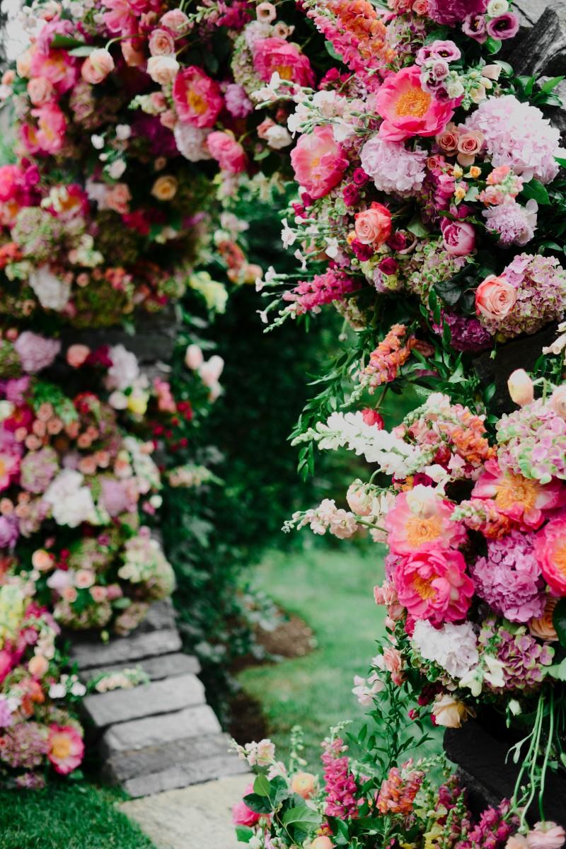 Sayles Livingston Design Ceremony Flowers